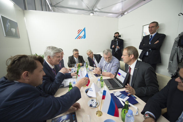Jan Wörner meets Sergei Lemeshevski at MAKS 2015