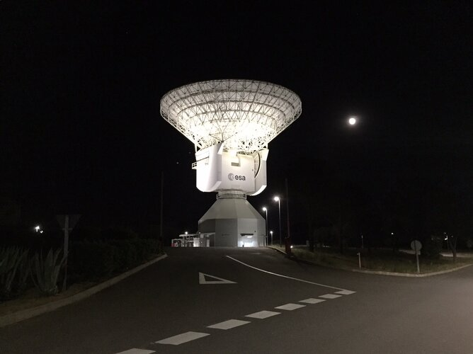 Cebreros deep space tracking station reflecting environmentally friendly light