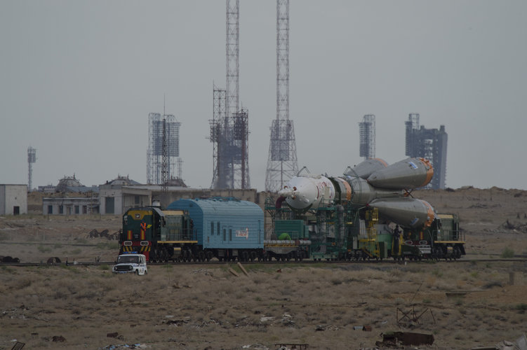 Soyuz TMA-18M spacecraft roll out