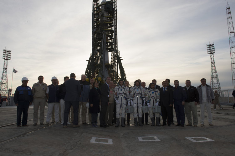 Soyuz TMA-18M crew members and dignitaries at the launch pad