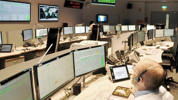 ESA's LISA Pathfinder Flight Control Team began training intensively for the launch and early orbit phase, commissioning and routine mission phases in June 2015