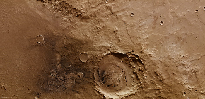 On the rim of Schiaparelli crater