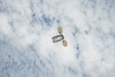 Cygnus supply spacecraft approaches Station
