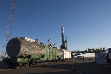 Soyuz TMA-19M spacecraft moved into vertical position