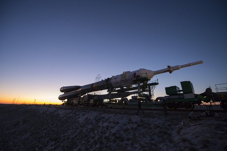 Soyuz TMA-19M spacecraft roll out