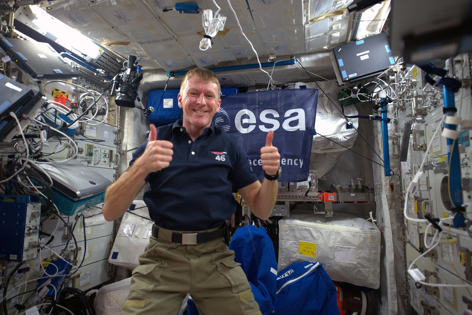 Tim Peake thumbs up