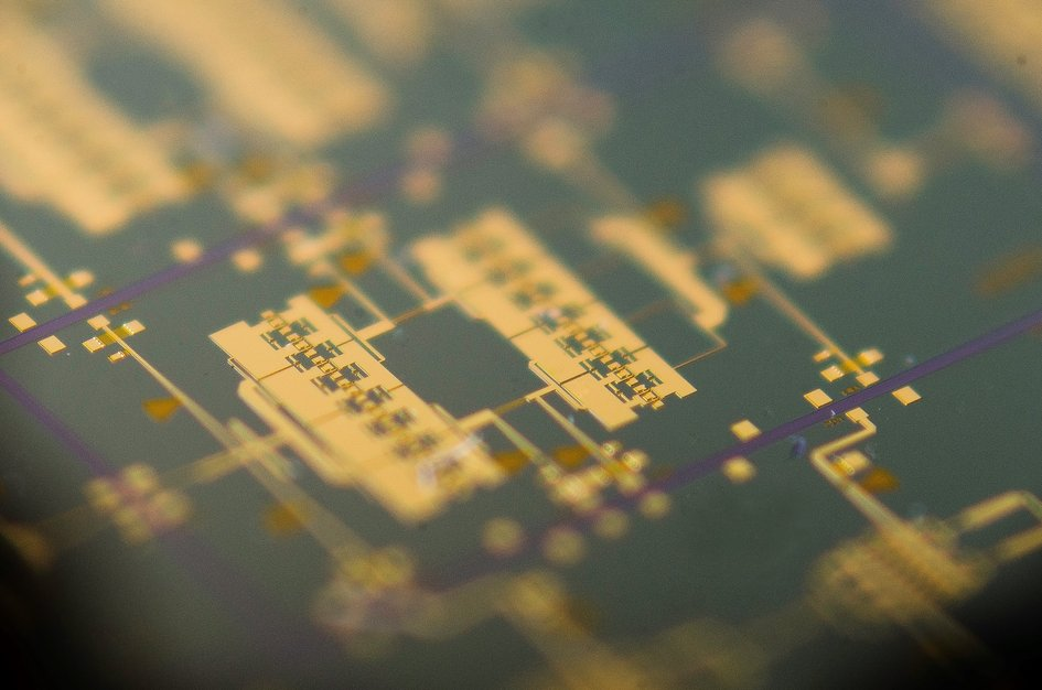 Arralis integrated circuit