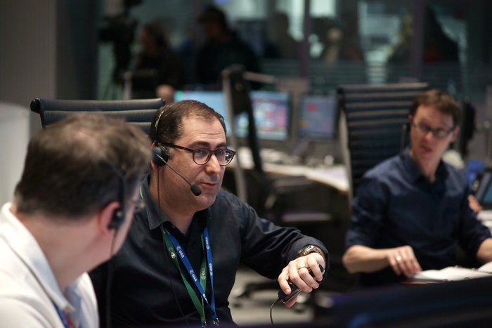 Sentinel-3 Spacecraft Operations Manager José Morales in the Main Control Room at ESOC during launch, 16 February 2016
