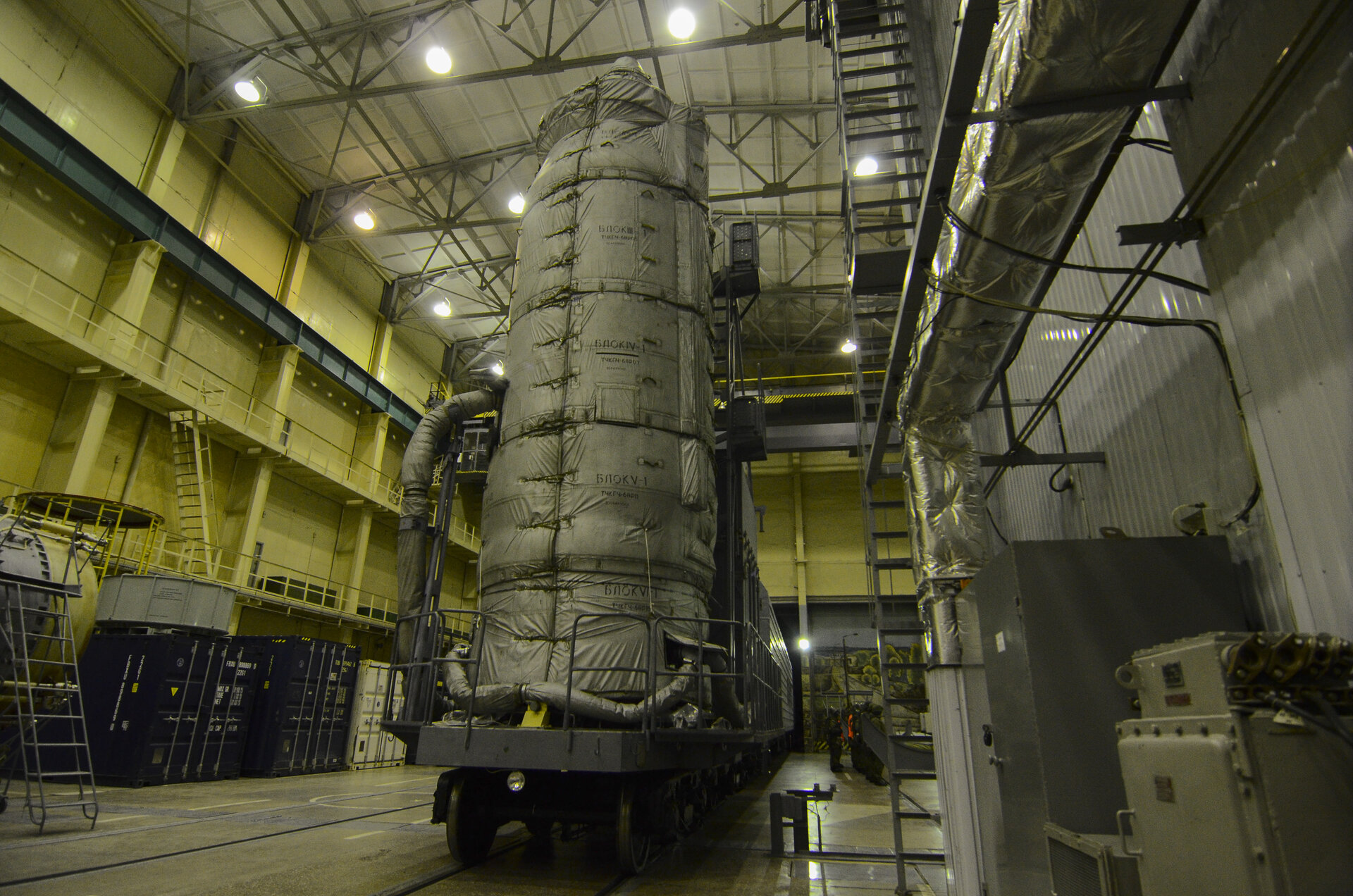 Sentinel-3A upper composite transferred to the launch pad