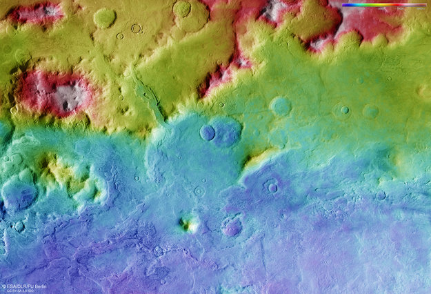 Hellas_Basin_rim_topography_large.jpg