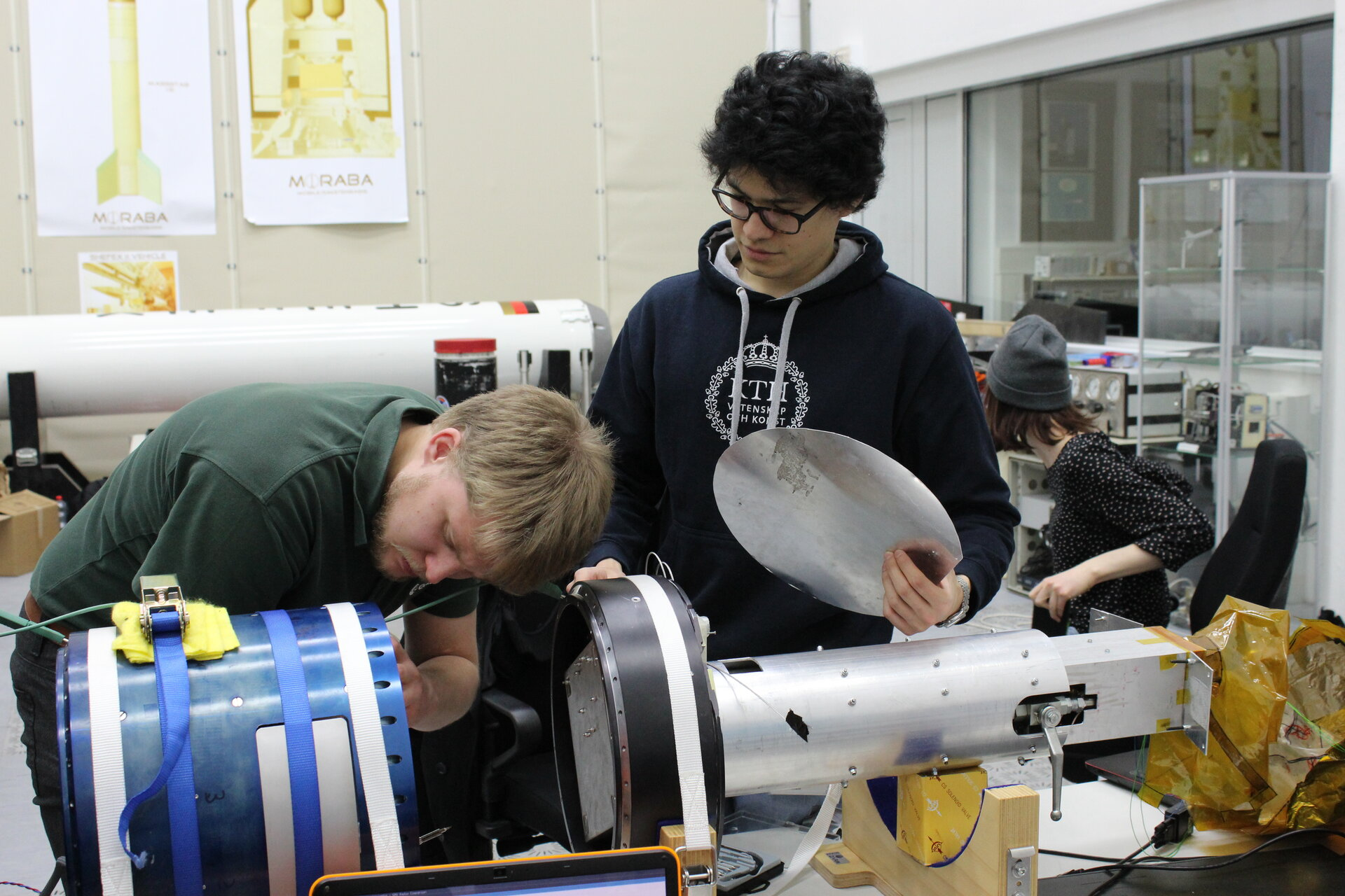 'SLED' team prepare their experiment for integration
