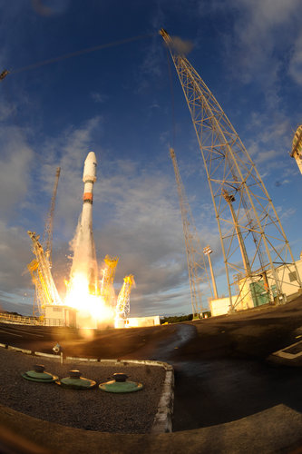 Sentinel-1B lifts off