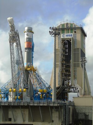 Sentinel-1B heads to launch tower