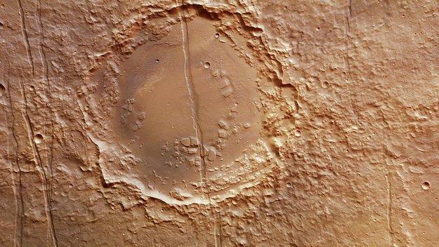 Cut crater