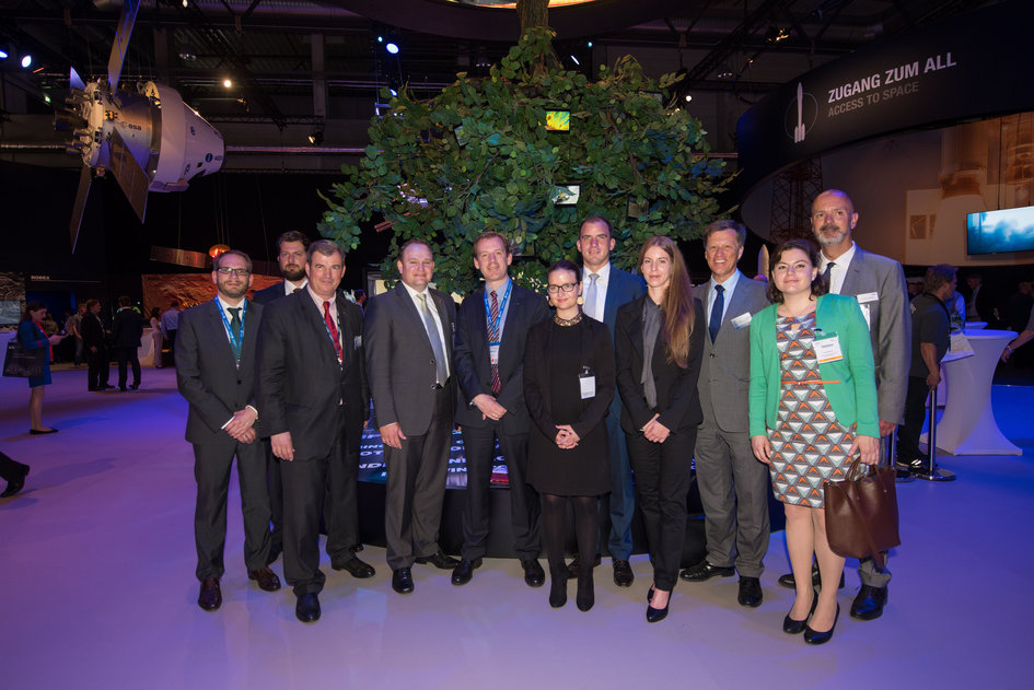 CDU/CSU young parliamentary group with Bernhard von Weyhe the 'Space for Earth' pavilion