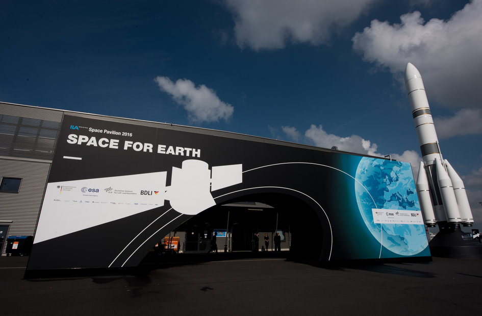 Entrance of the 'Space for Earth' pavilion at ILA 2016