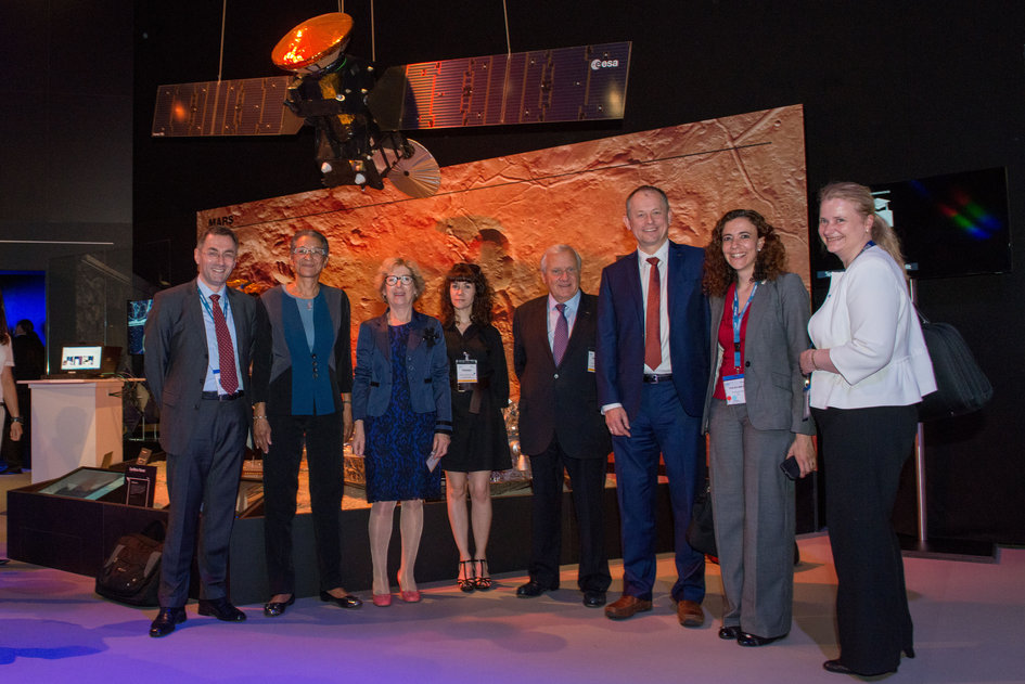 Members of the French National Assembly visit with representatives of ESA the 'Space for Earth' pavilion