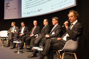 Panel discussion on 'German SMEs: Drivers for Innovation and New Technology'