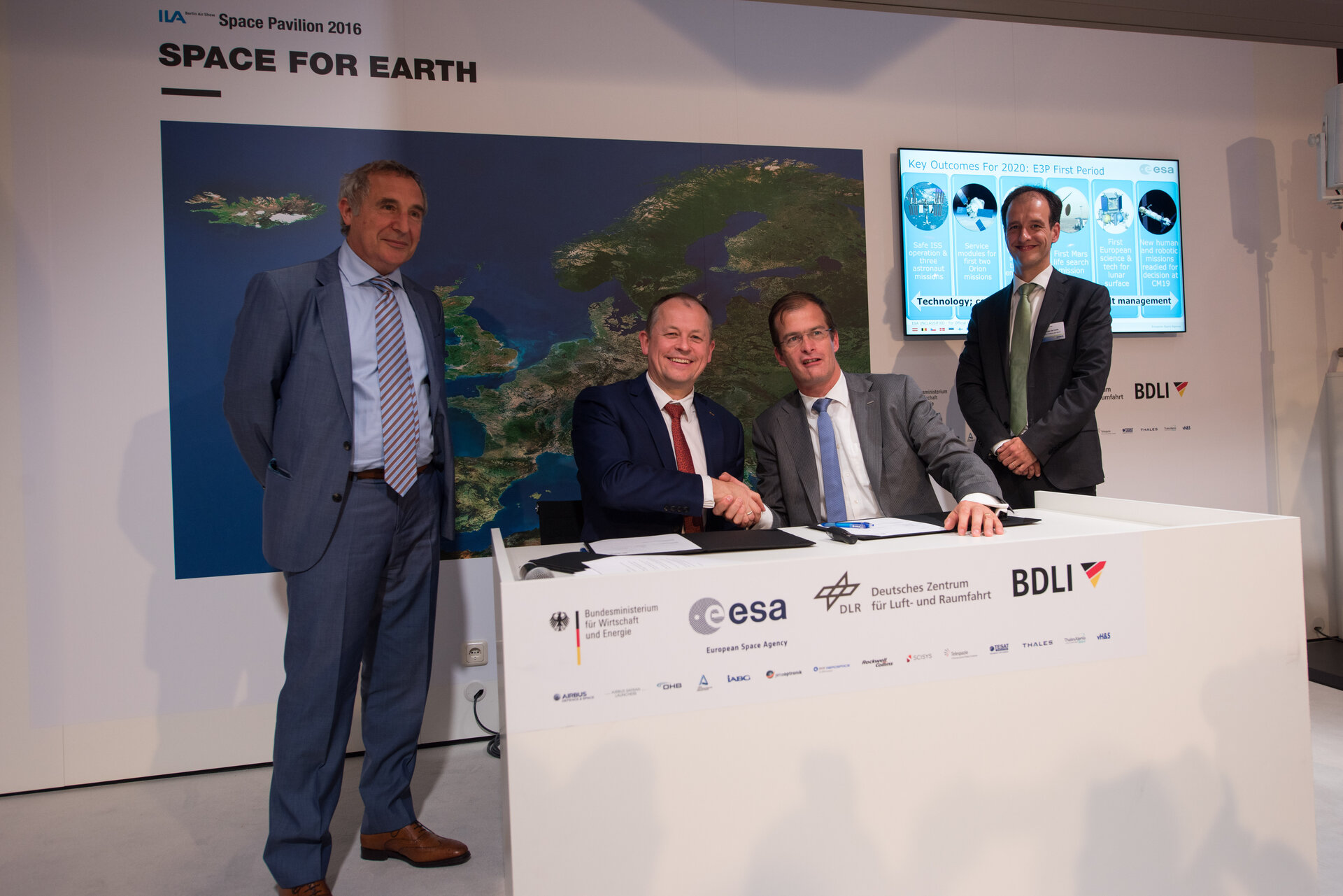 Signature of the PILOT system contract