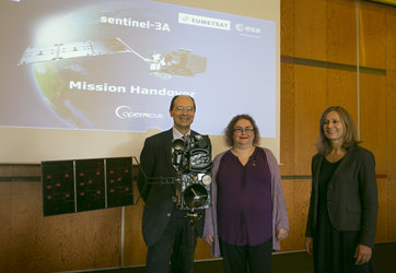 Handing over Sentinel-3A