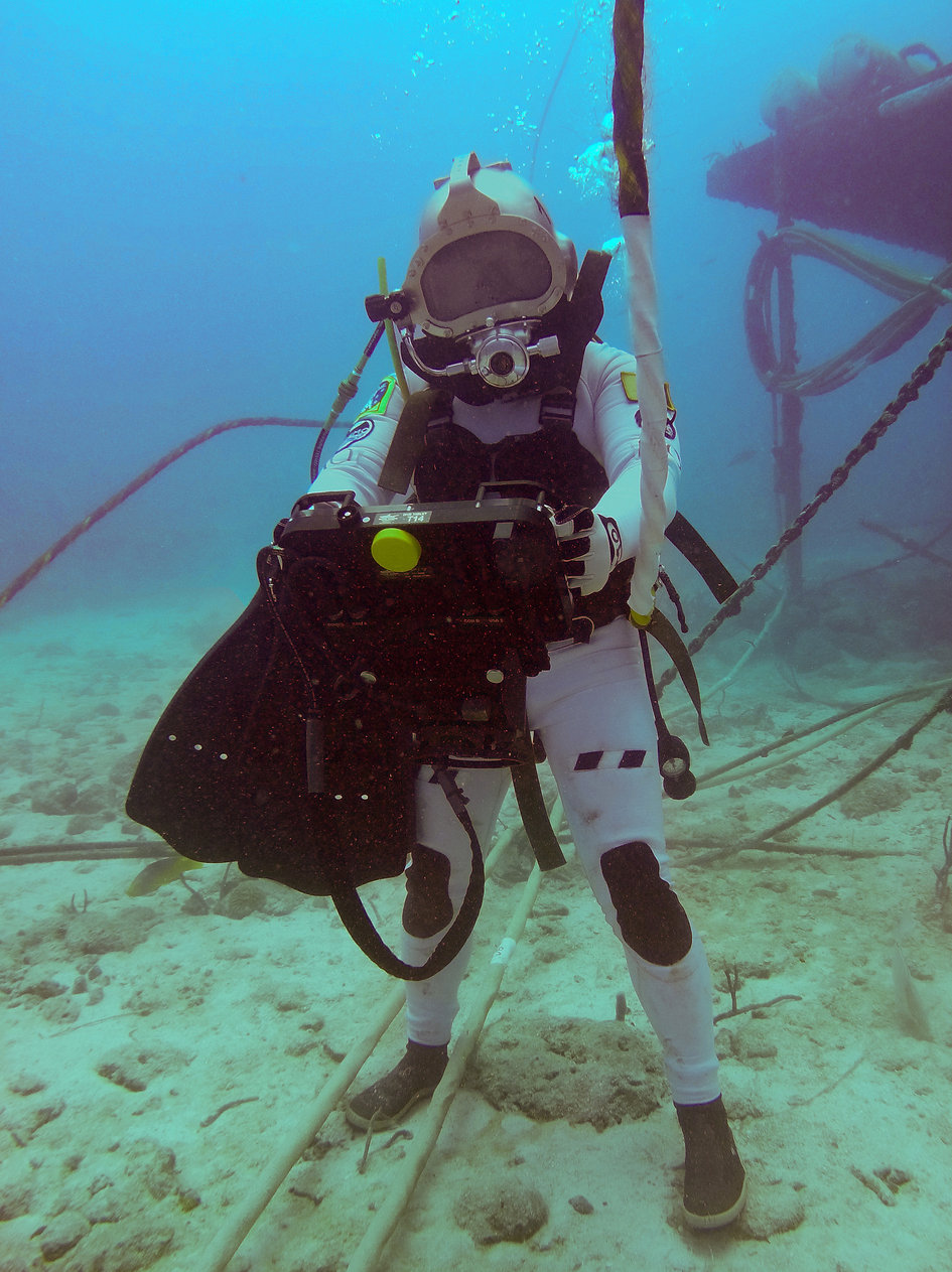 NEEMO 21 crew and support team