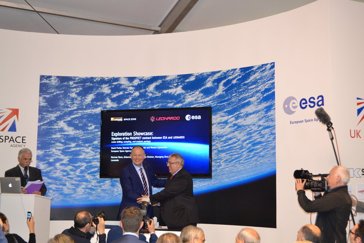 Signature of the Prospect B+ contract between ESA & Leonardo