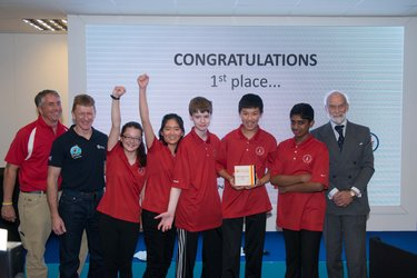 Tim Peake with the winners of International Rocketry Competition 2016