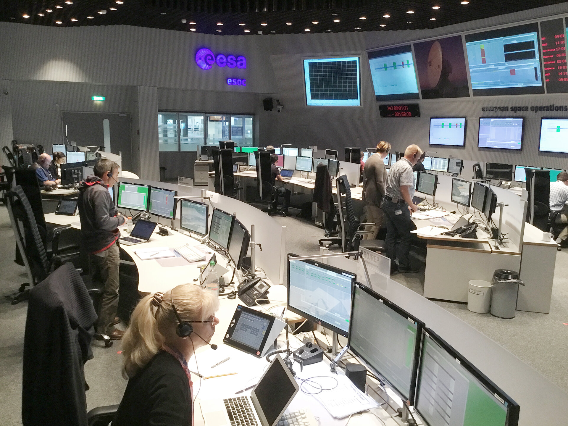 ExoMars mission control trains for arriving at the Red Planet