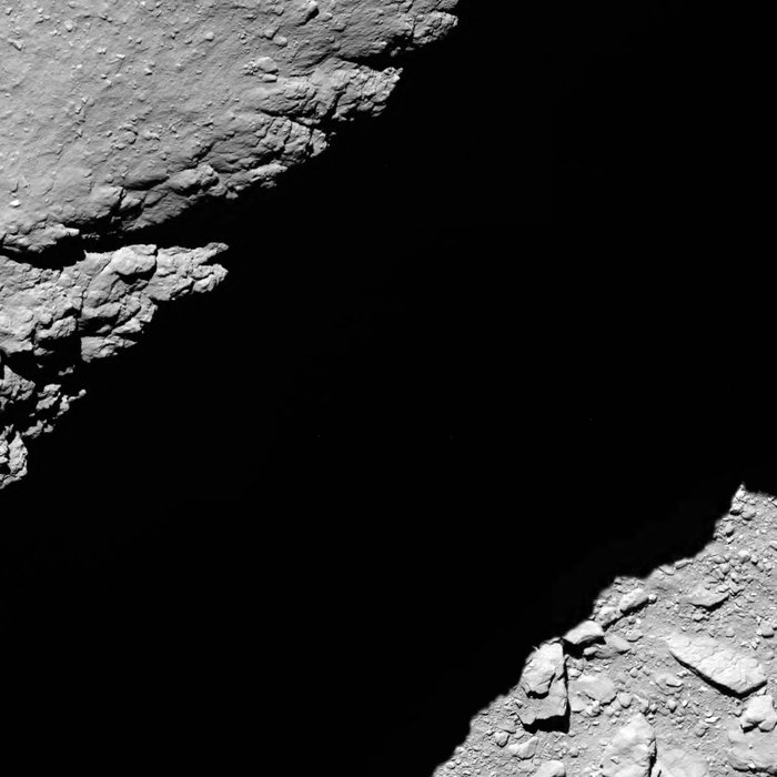 L'actualité de Rosetta - Page 13 Comet_from_1.2_km_narrow-angle_camera_node_full_image_2