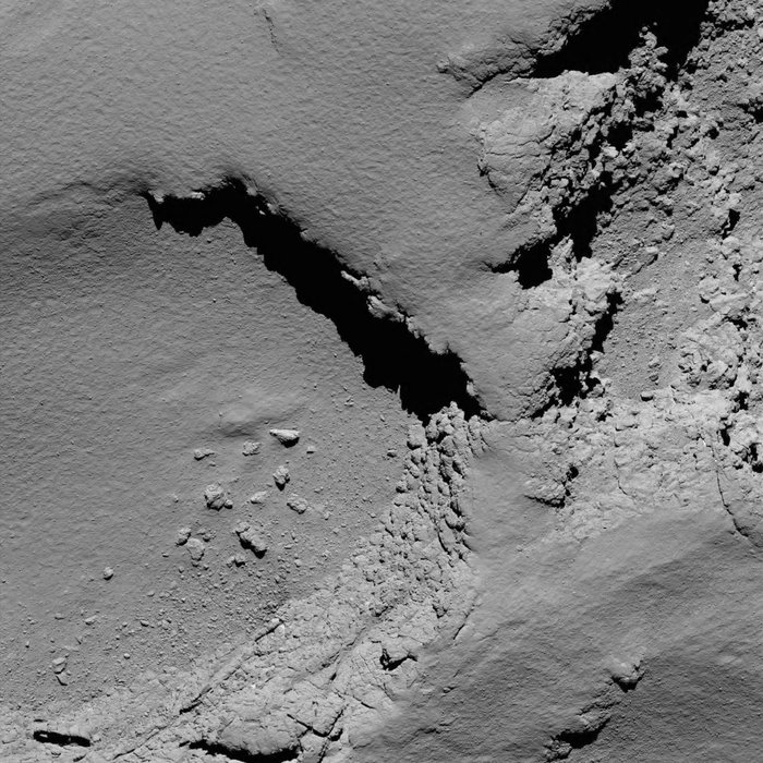L'actualité de Rosetta - Page 13 Comet_from_5.8_km_narrow-angle_camera_node_full_image_2