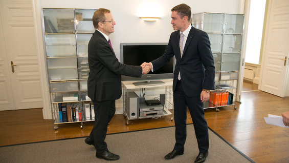 ESA DG meets Estonia PM