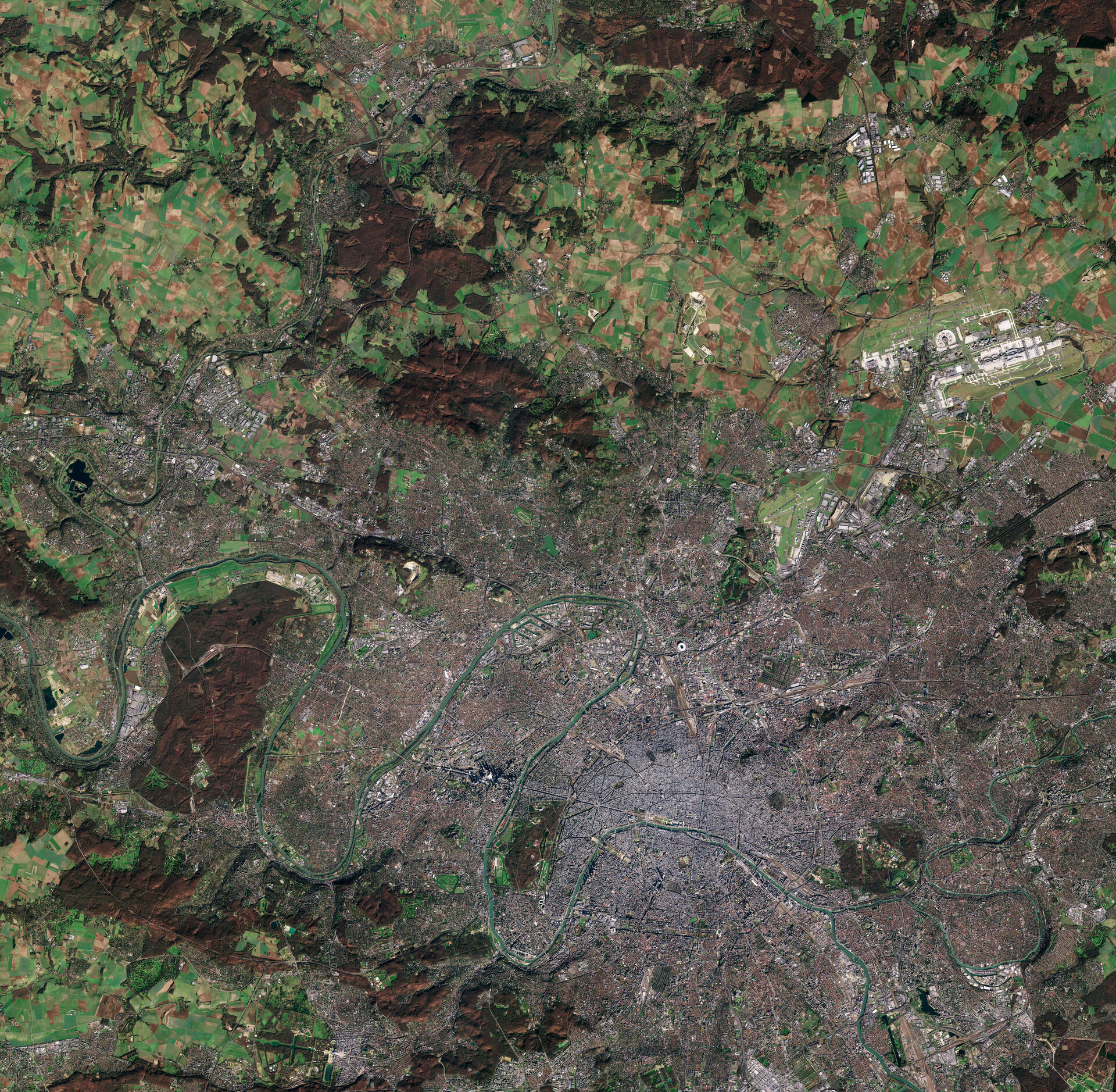 Image of Paris captured by Sentinel-2A