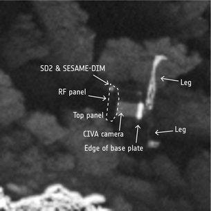 Zoom de la fotografía con el módulo Philae a la vista y dos patas (leg). Imagen : ESA