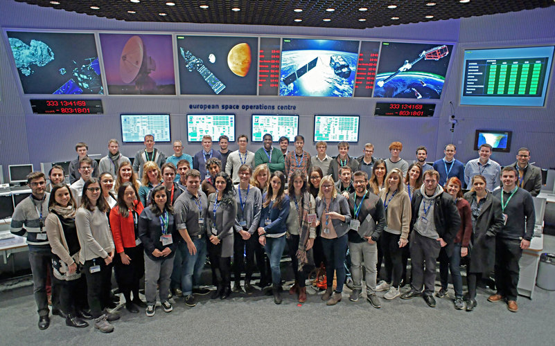 Young and 'young at heart' engineers and scientists visit ESA's mission control