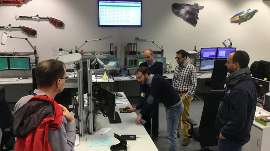 Commands for a debris avoidance manoeuvre were uploaded to Swarm-B from the Earth mission control room at ESOC, Darmstadt, Germany, on 25 January 2017 at 08:51 CET.