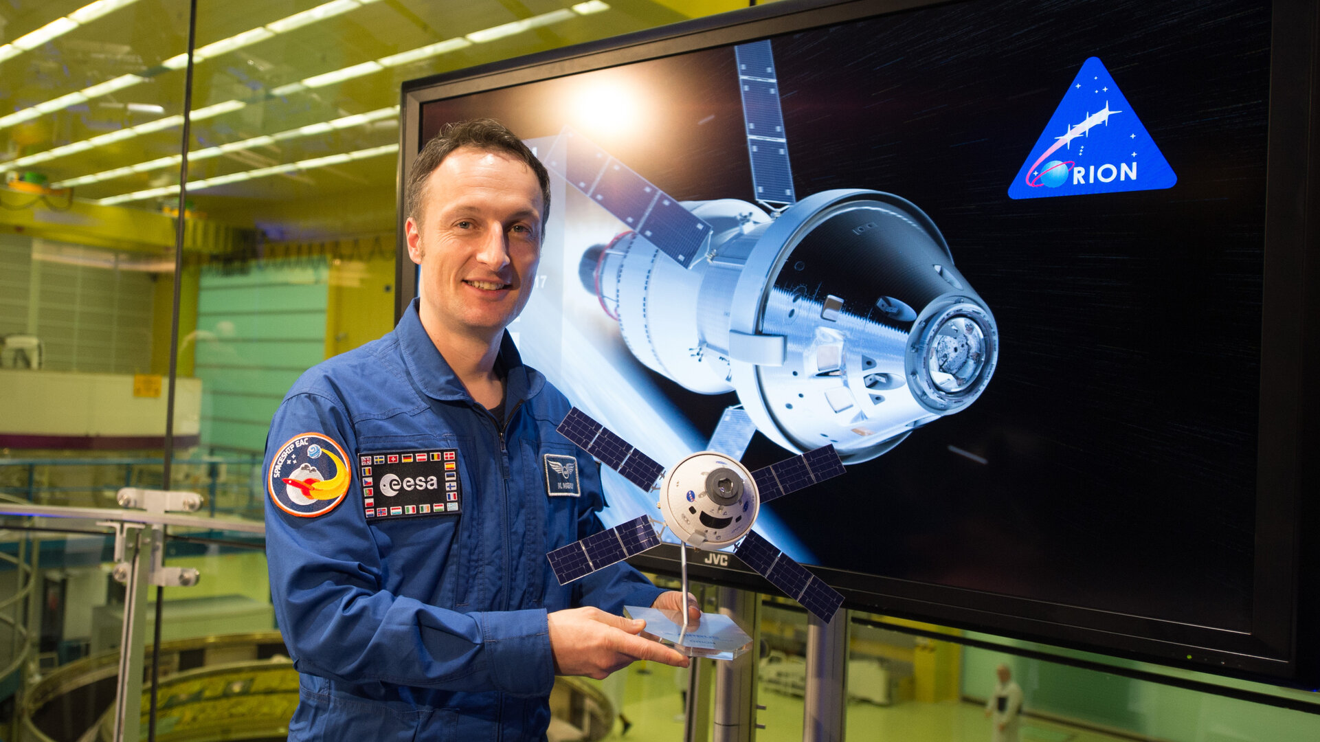 ESA astronaut Matthias Maurer at the signature signing