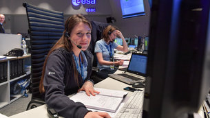 Spacecraft operations engineer Carmen Ricote Navarro during the launch of Sentinel-2B