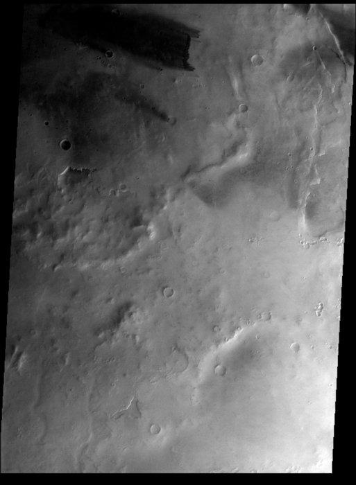 Flying_over_Mellish_crater_node_full_ima