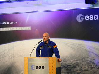 Alexander Gerst presenting his 'Horizons' mission