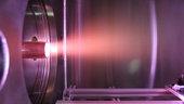 Příležitost provádět testy na simulátoru atomárního kyslíku ESA