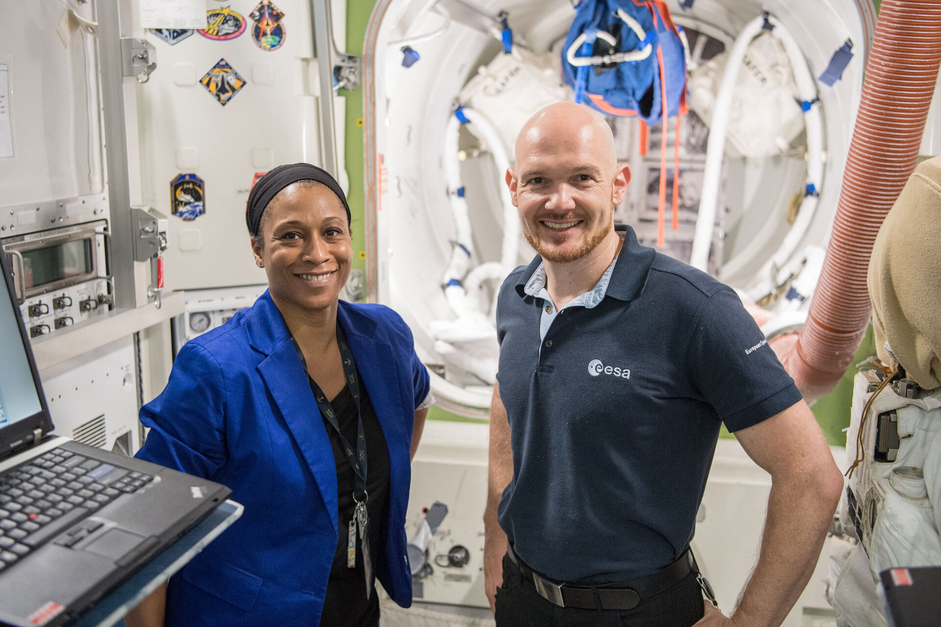 NASA-Astronautin Jeanette Epps und ESA-Astronaut Alexander Gerst im Training in Houston.