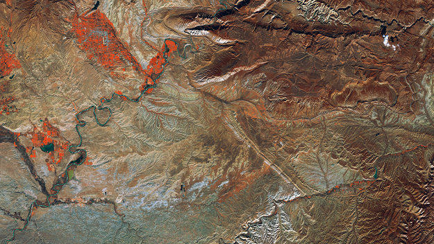 http://www.esa.int/var/esa/storage/images/esa_multimedia/images/2017/05/uintah_basin_united_states/16934670-1-eng-GB/Uintah_Basin_United_States_large.jpg