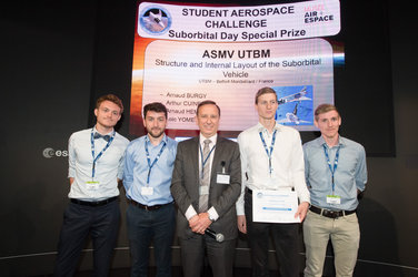 Awards ceremony for winning teams of the Student Aerospace Challenge