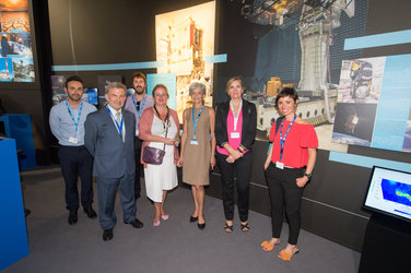 Claudie Haigneré with the Andalusian delegation at the ESA Pavilion