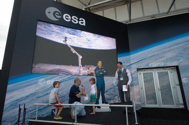 Interactive talk with visitors at the ESA Pavilion