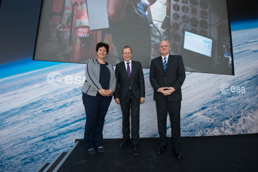 Jan Wörner and Jean-Yves Le Gall with Frédérique Vidal