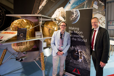 Jan Woerner visits the GIFAS Paris Air Lab