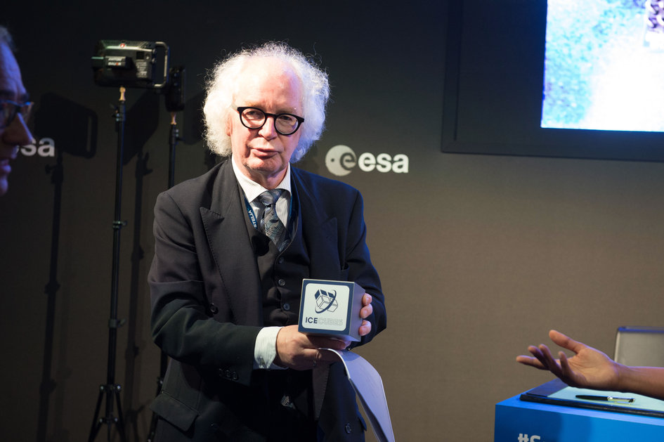 Leif Steinicke, co-founder of Space Application Services, at the ESA Pavilion