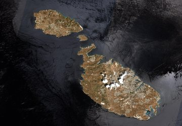 Malta from space via laser