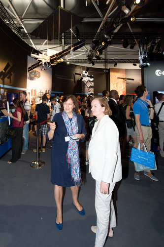 Maria Menendez shows Nathalie Loiseau the ESA Pavilion